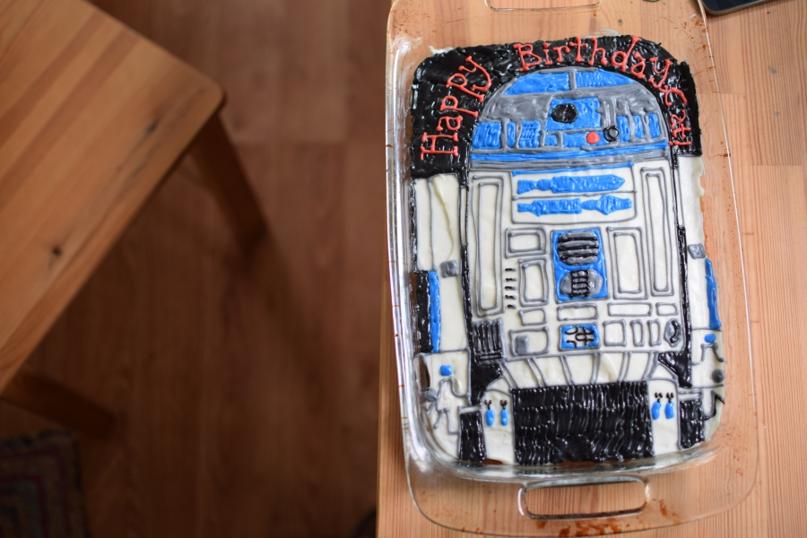 R2D2 Cake & Brown Butter Apple Scones