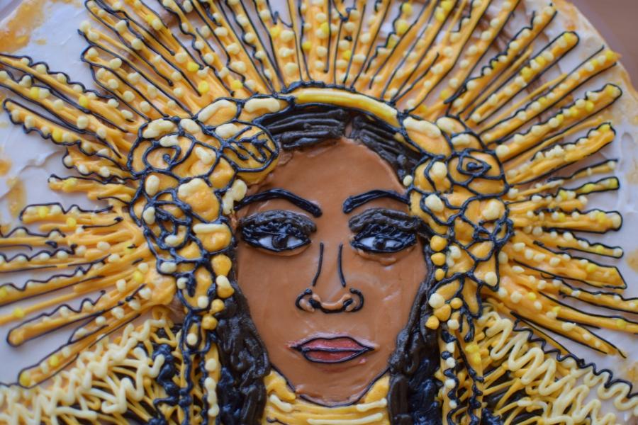 Beyoncé Golden Goddess Salted CaramelCake